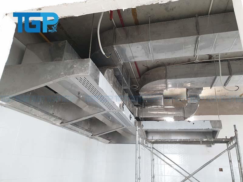 Trần Gia Phát thi công lắp đặt hệ thống hút khói và cấp gió tươi cho bếp công nghiệp