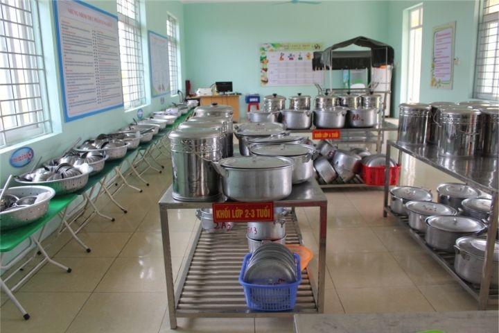 Bếp ăn trong trường mầm non