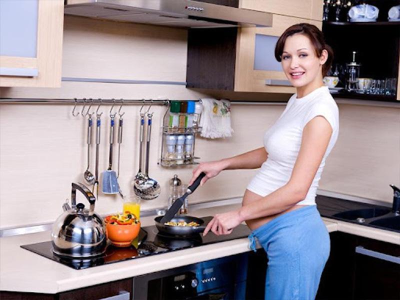 Khói bếp ảnh hưởng đến phụ nữ mang thai