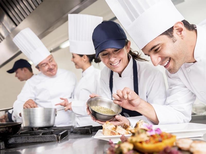 Nhân viên bếp