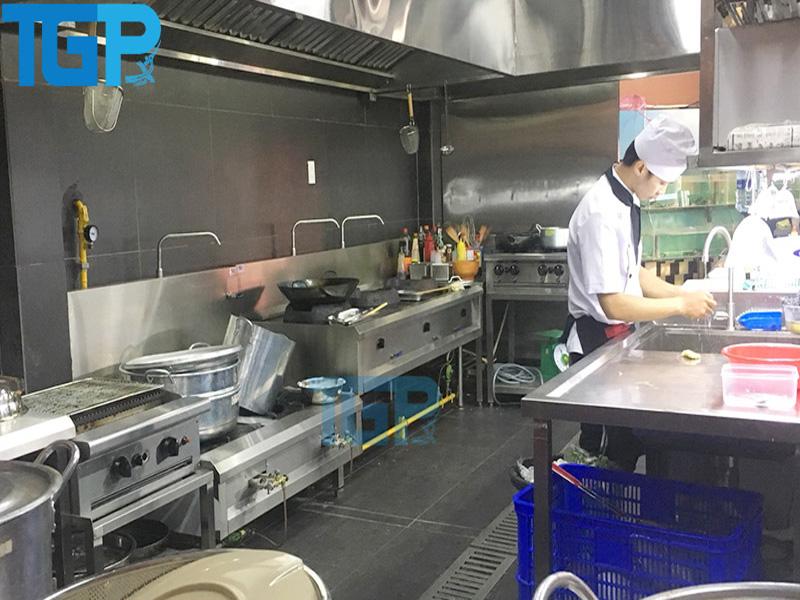 Thiết bị bếp Á và bếp Âu