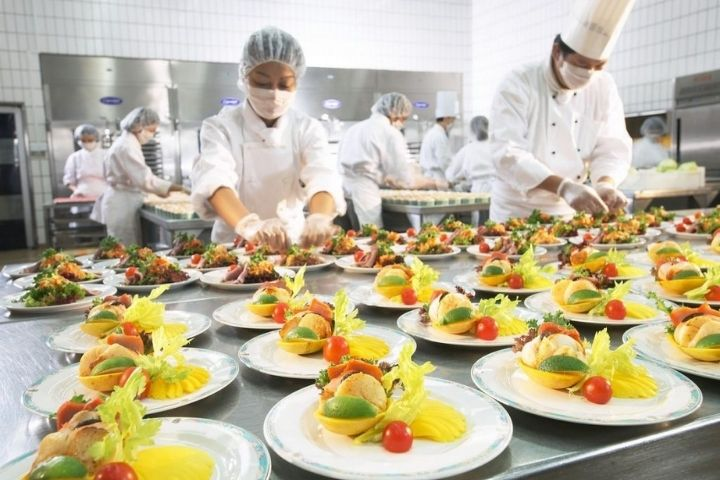 Thực đơn suất ăn công nghiệp dinh dưỡng