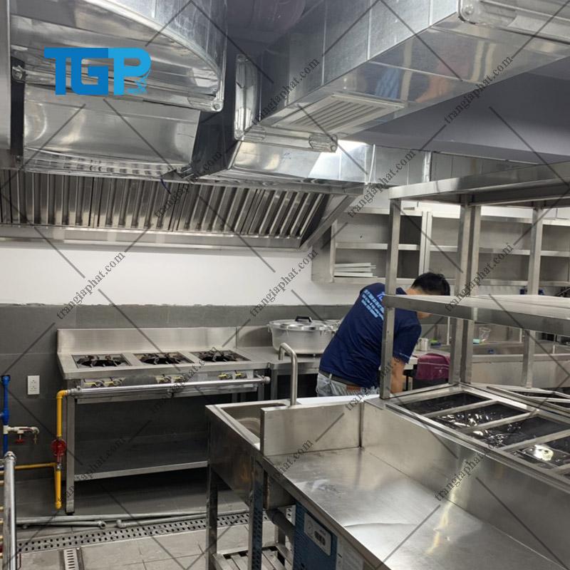 Bếp gas công nghiệp thích hợp cho quán ăn, căn tin, nhà hàng, bếp ăn tập thể