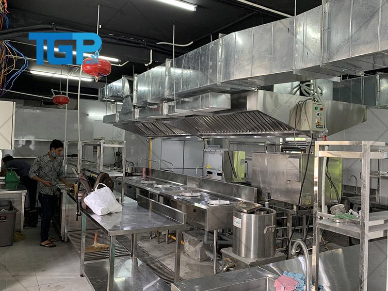 Mô hình bếp công nghiệp thiết kế dạng dây chuyền