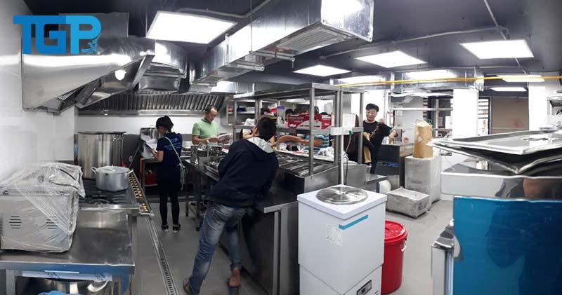 Thi công bếp cho nhà hàng lớn